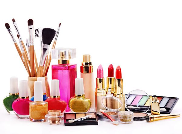 5 Factors Influencing The Cosmetic Chemicals Market
